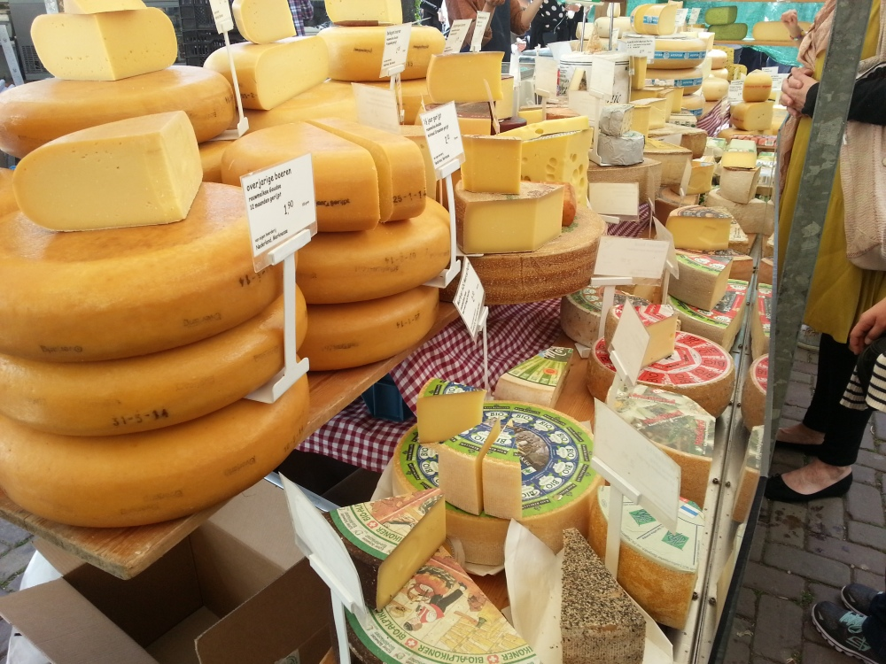 Doe maar Noordermarkt - so many cheeses!