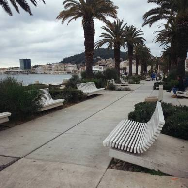 Split Waterfront Seating
